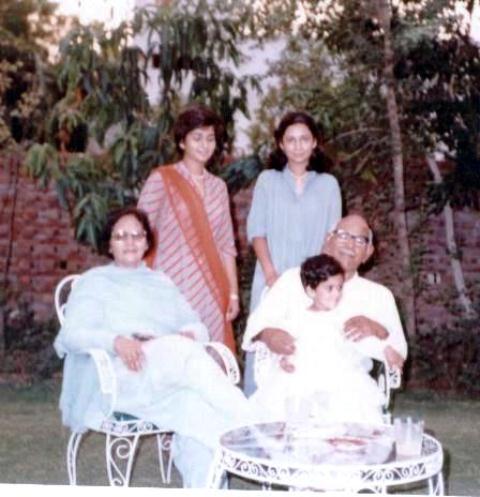Masud-Family-Eid-1982