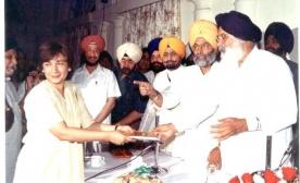 Mr.-M.-Masud-Khaddarposhs-Daughter-Shereen-India-visit-001