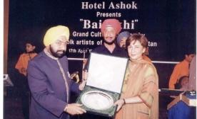 Mr.-M.-Masud-Khaddarposhs-Daughter-Shereen-India-visit-002